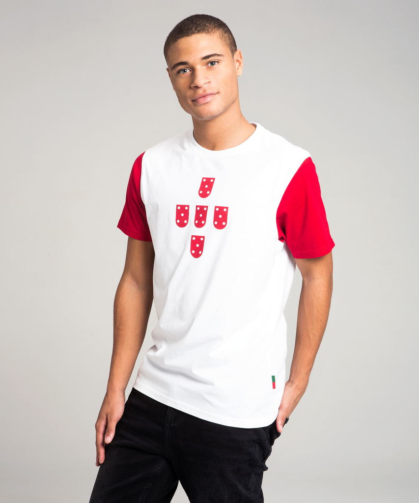 7f93c08904 T-Shirt Quinas Branca e Vermelha ...